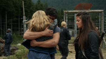 https://static.tvtropes.org/pmwiki/pub/images/human_trials_023_clarke_bellamy_and_octavia.png