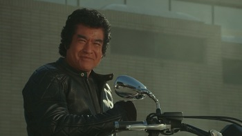 https://static.tvtropes.org/pmwiki/pub/images/kamen_rider_1_takeshi_hongo.jpg