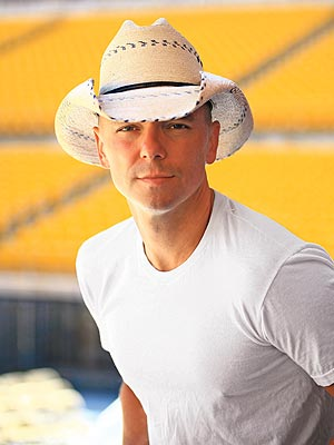 http://static.tvtropes.org/pmwiki/pub/images/kenny_chesney_251.jpg