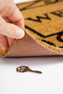 Key Under The Doormat Tv Tropes