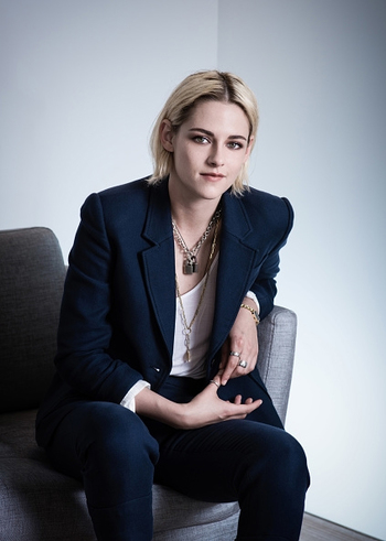 http://static.tvtropes.org/pmwiki/pub/images/kristen_stewart_personal_shopper_cannes_getty_portrait_4.jpg