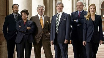 https://static.tvtropes.org/pmwiki/pub/images/law_and_order_cast_first_half_of_season_15.jpg