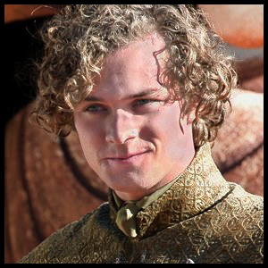 https://static.tvtropes.org/pmwiki/pub/images/loras_tyrell.png