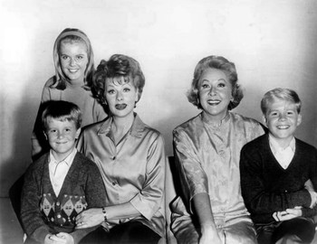 https://static.tvtropes.org/pmwiki/pub/images/lucille_ball_vivian_vance_the_lucy_show_1962.JPG