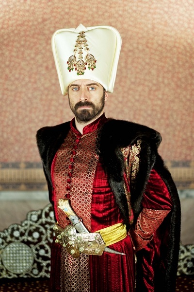 https://static.tvtropes.org/pmwiki/pub/images/magnificentcentury_sultansleyman.jpg