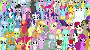 https://static.tvtropes.org/pmwiki/pub/images/mane_six_and_ponies_final_crowd_shot_s5e26.png