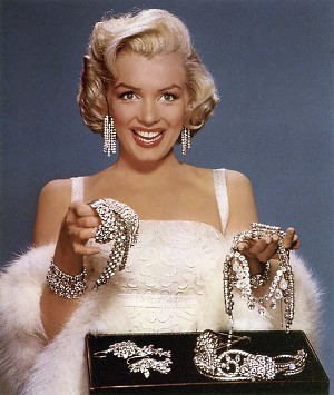 http://static.tvtropes.org/pmwiki/pub/images/marilyn_monroe_best_friends.jpg