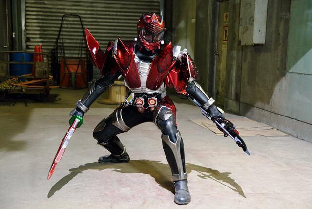 https://static.tvtropes.org/pmwiki/pub/images/masked_rider_savior_blood_zakuro_arms.JPG