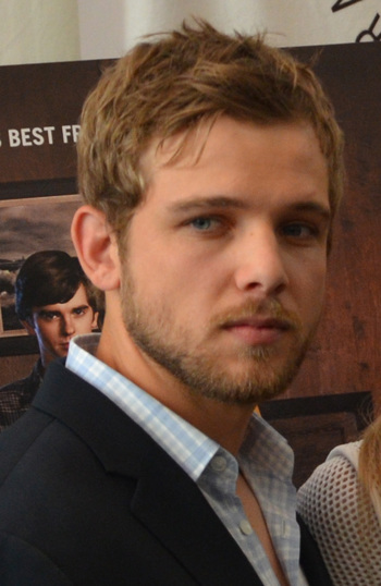 https://static.tvtropes.org/pmwiki/pub/images/max_thieriot_cropped.jpg
