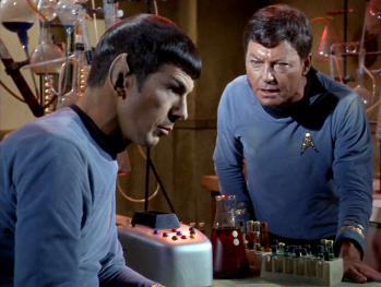 https://static.tvtropes.org/pmwiki/pub/images/mccoy_and_spock_tos_350.png