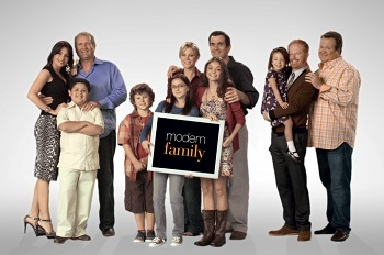 Modern family series tv tropes series modern family fandeluxe Gallery