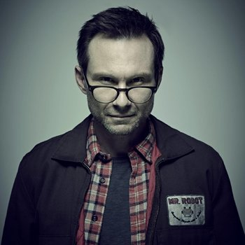 https://static.tvtropes.org/pmwiki/pub/images/mr_robot_christian_slater.jpg