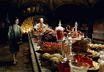 https://static.tvtropes.org/pmwiki/pub/images/panslabyrinth_crimsonbanquet_9906.jpg