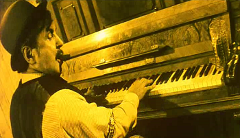 http://static.tvtropes.org/pmwiki/pub/images/piano_player_5139.png
