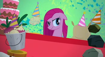 https://static.tvtropes.org/pmwiki/pub/images/pinkie_pies_new_friends_s1e25.png