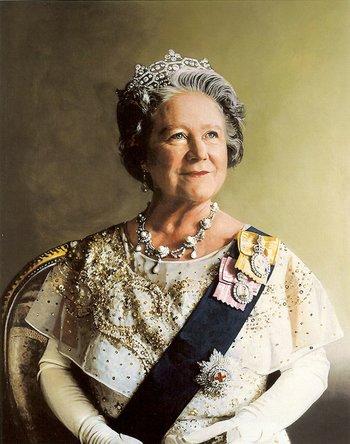 https://static.tvtropes.org/pmwiki/pub/images/queen_elizabeth_the_queen_mother_portrait_7.jpg