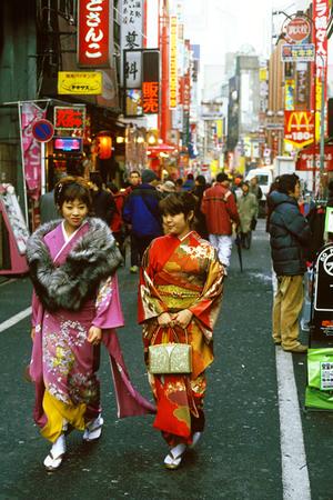 http://static.tvtropes.org/pmwiki/pub/images/rsz_1tokioshibuya-kimono2_9861.jpg