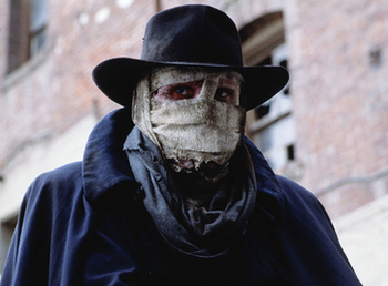 https://static.tvtropes.org/pmwiki/pub/images/rsz_darkman_liam_neeson_movie_h1.png