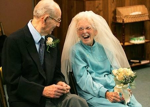 https://static.tvtropes.org/pmwiki/pub/images/rsz_elderly-wedding-old-love_7864.jpg