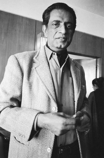 https://static.tvtropes.org/pmwiki/pub/images/satyajit_ray_in_new_york_8.jpg