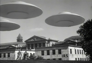 https://static.tvtropes.org/pmwiki/pub/images/saucers-over-irs_765.jpg