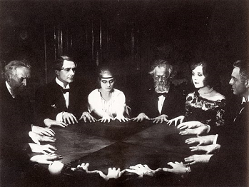 http://static.tvtropes.org/pmwiki/pub/images/seance.png
