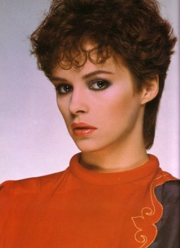 https://static.tvtropes.org/pmwiki/pub/images/sheenaeaston.jpg