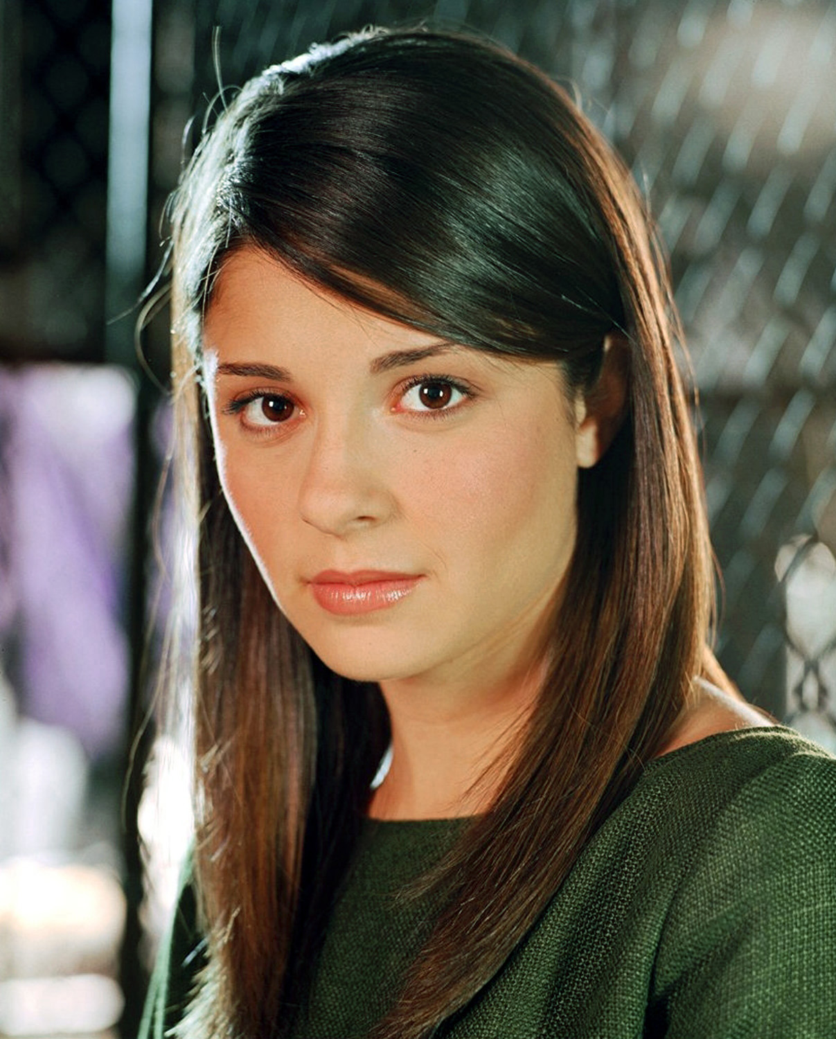 http://static.tvtropes.org/pmwiki/pub/images/shiri_appleby_liz_parker_green_1_dvdbash.jpg