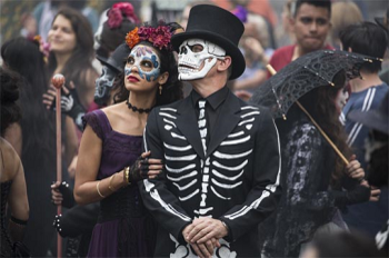 http://static.tvtropes.org/pmwiki/pub/images/spectre_mexico.png