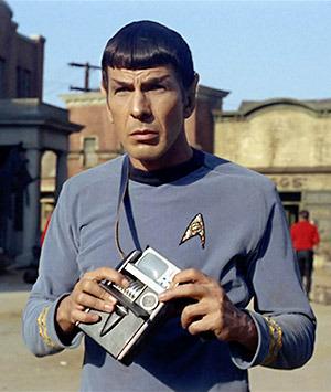 http://static.tvtropes.org/pmwiki/pub/images/spock_tricoder.jpg