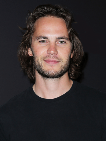 https://static.tvtropes.org/pmwiki/pub/images/taylor_kitsch_281175_768x1024.png