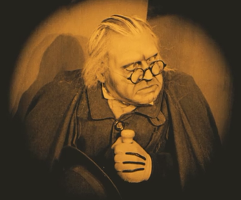 https://static.tvtropes.org/pmwiki/pub/images/the_cabinet_of_dr_caligari_werner_krauss.png
