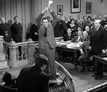 http://static.tvtropes.org/pmwiki/pub/images/the_perry_mason_method1.jpg