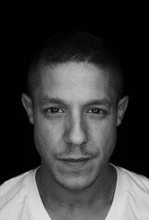 https://static.tvtropes.org/pmwiki/pub/images/theo_rossi_page_image.jpg