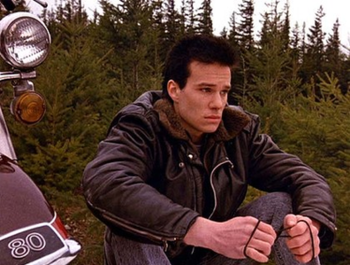 https://static.tvtropes.org/pmwiki/pub/images/twin_peaks_james_hurley.png