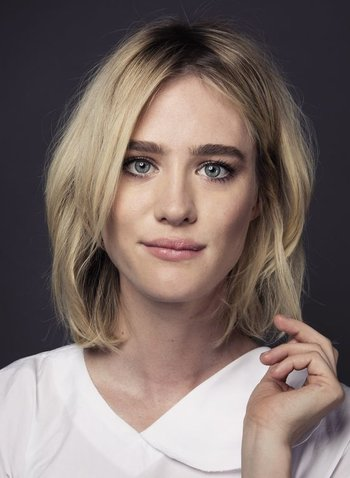 https://static.tvtropes.org/pmwiki/pub/images/vancouver_bred_actress_mackenzie_davis_is_having_a_spectacul.jpg