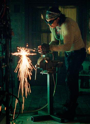 https://static.tvtropes.org/pmwiki/pub/images/vanko_welding.png