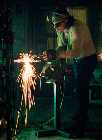 http://static.tvtropes.org/pmwiki/pub/images/vanko_welding.png