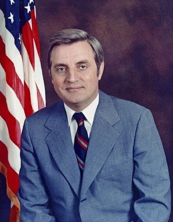 https://static.tvtropes.org/pmwiki/pub/images/vice_president_mondale_1977.jpg