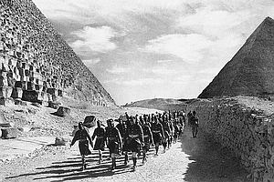 http://static.tvtropes.org/pmwiki/pub/images/wwii_1940_british_army_in_egypt.jpg