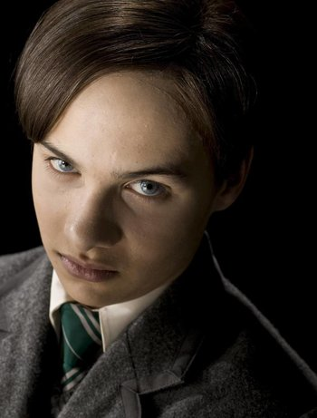 https://static.tvtropes.org/pmwiki/pub/images/young_tom_riddle.jpg